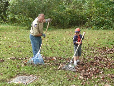 012-scouts-cemetery-cleanup.jpg